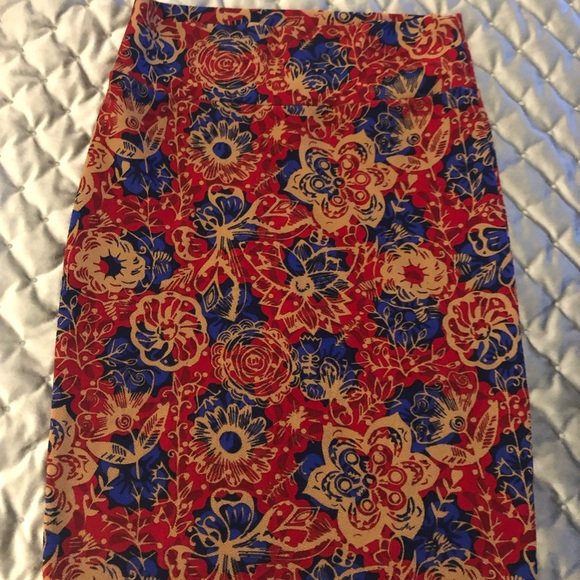 LuLaRoe Dresses & Skirts - LulaRoe Cassie skirt!